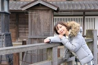 小江戸佐原にてポーズをとる女性の写真・画像素材[3953200]
