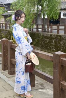 小江戸佐原の町並みと美しい浴衣姿の若い女性の写真・画像素材[4613788]