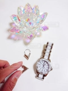 時計を持つ手の写真・画像素材[3300605]