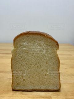 パンの一切れの写真・画像素材[3183126]