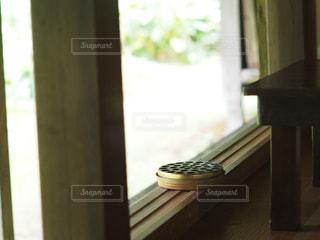 縁側の蚊取り線香の写真・画像素材[3187450]