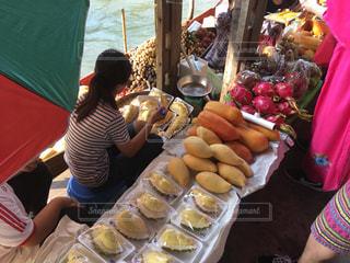 水上マーケットの果物市場の写真・画像素材[3207335]