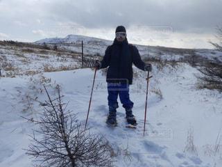 冬のスキー場をスノーシューで散策の写真・画像素材[3207722]
