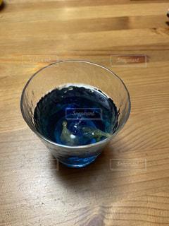 青色の飲み物の写真・画像素材[3213450]