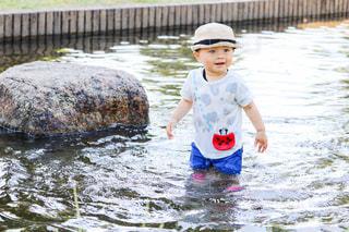 初めての水遊びの写真・画像素材[3311017]