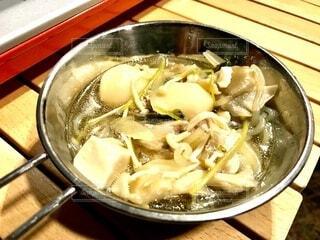 キャンプで芋煮の写真・画像素材[3688853]