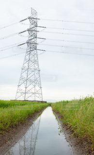 送電塔と川の写真・画像素材[3442016]