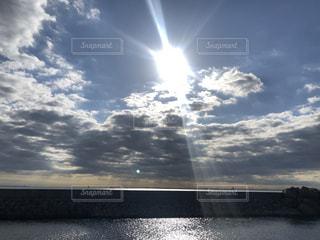 ディズニーシーを照らす太陽の写真・画像素材[3207532]