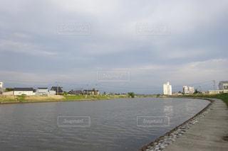川に架かる橋の写真・画像素材[3217524]