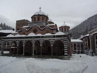 雪に覆われた建物の写真・画像素材[3229732]