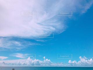 グアムのビーチから眺める空の写真・画像素材[3221828]