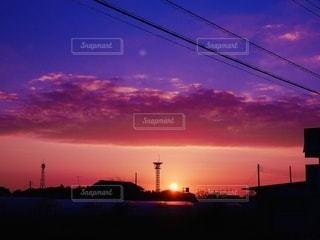 沈む夕日の写真・画像素材[3369592]