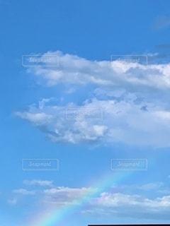 青空の雲と虹の写真・画像素材[3457104]