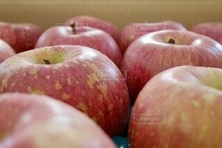 りんごのクローズアップの写真・画像素材[3978161]