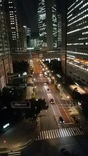 夜のビル街の写真・画像素材[3238098]