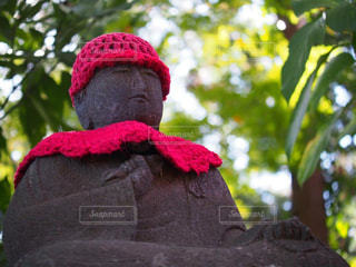 赤い帽子のお地蔵さんの写真・画像素材[1000984]