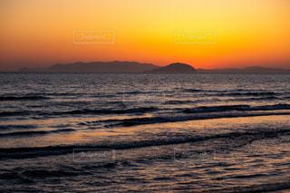 水瀬戸内海の夕日の写真・画像素材[3246898]