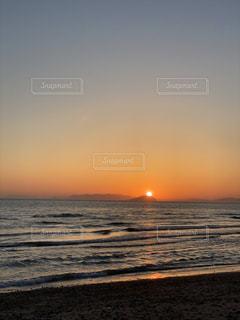 瀬戸内海に沈む夕日の写真・画像素材[3246897]