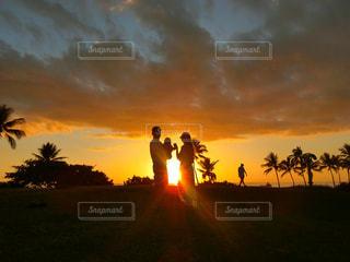 hawaiiのサンセットと家族♡の写真・画像素材[3257002]