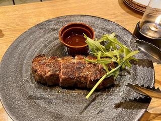 オシャレ牛ステーキの写真・画像素材[3261644]