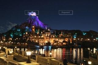 夜の東京ディズニーシーの写真・画像素材[3267085]