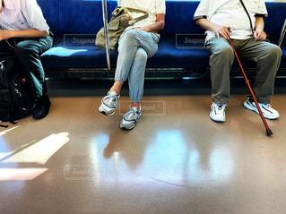電車の車内の写真・画像素材[3379259]