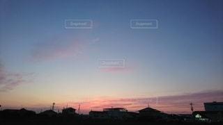 ピンクの夕焼け空の写真・画像素材[3276478]