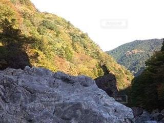 岩と山の写真・画像素材[3826530]