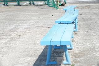 青いベンチの写真・画像素材[3273474]
