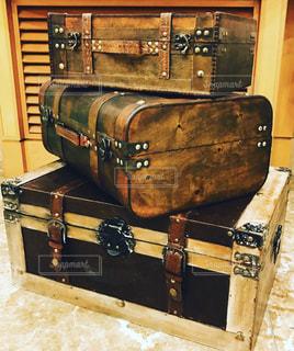 オシャレなスーツケースの写真・画像素材[3285767]