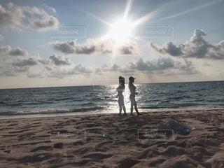 夕暮れの海の写真・画像素材[3285845]