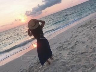 夕日と海の写真・画像素材[3376227]
