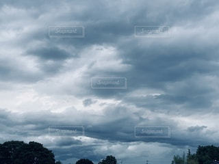 東の空、魔王ってフレーズ浮かぶの写真・画像素材[3315572]
