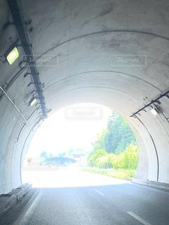 トンネル出口の写真・画像素材[3343252]