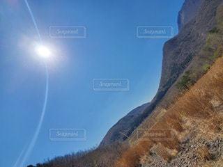 丘の中腹の近くの写真・画像素材[3288123]