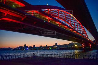 神戸の赤い橋とマジックアワー。の写真・画像素材[3307511]