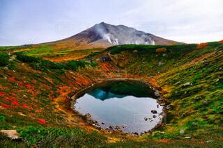 秋の旭岳の写真・画像素材[4448695]