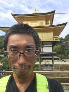 メガネをかけて、カメラで笑顔の男。ただし、オッサン - No.880463