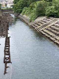 水の体に架かる橋の写真・画像素材[3333156]
