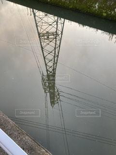 川に映る塔の写真・画像素材[3437462]