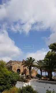村の教会が見える 2020年夏 Covid19の写真・画像素材[3411624]