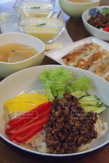 ジャージャー麺の写真・画像素材[3308271]