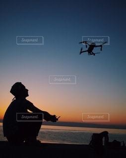 夕日のビーチの写真・画像素材[3310037]