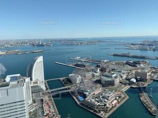 港町、横浜のデートスポットと言えばみなとみらい地区の写真・画像素材[4106084]