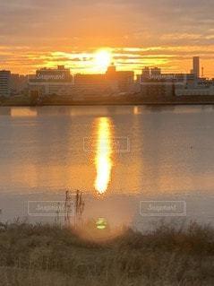 正月の日の出の写真・画像素材[3316840]
