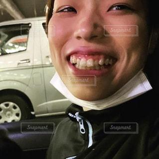 車に乗っている人の写真・画像素材[3381921]