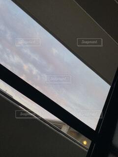 部屋の中からベランダの写真の写真・画像素材[4628816]