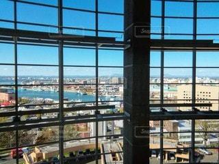大きなガラス窓の写真・画像素材[3431977]