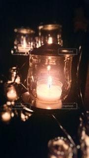 蝋燭の灯りの写真・画像素材[3336196]
