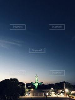夕暮れと太陽の塔の写真・画像素材[3347351]